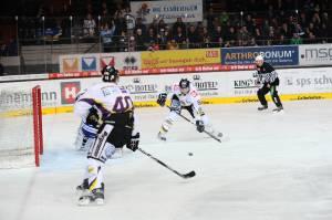 120226 EHC München - Krefeld Pinguine